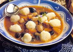 Bean soup with potato dumplings Hungarian Recipes, Goulash, World Recipes, Bean Soup, Dumplings, Chana Masala, Fruit Salad, Soup Recipes, Food Porn