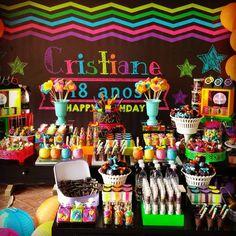 Anos Cristiane 🎁 Festa Neon🎉🎉 Much Glow For You! Neon Birthday, 13th Birthday Parties, Birthday Party For Teens, Flamingo Birthday, Sleepover Party, Birthday Party Themes, Glow Party, Disco Party, My Super Sweet 16