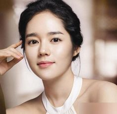 she is one of the most beautiful women in the world. Her brows are the best for her face shape :) her name is han ga-in Korean Makeup Look, Korean Makeup Tips, Korean Beauty, Asian Beauty Secrets, Korean Eyebrows, Bh Entertainment, Straight Eyebrows, Yoo Ah In, Ga In