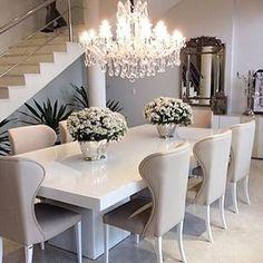 Tables   Une table en ton d eblanc   #tables, #décoration, #salleàmanger. Plus de nouveautés sur http://magasinsdeco.fr/
