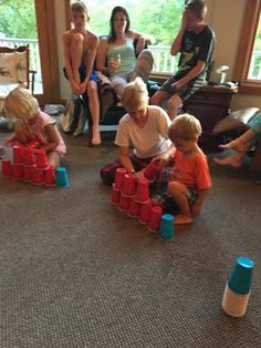 Minute to Win it Games for parties stack the cups. Minute to Win It games perfect for family reunions, classroom parties, kids' birthday parties, youth groups or any other fun gathering! Have a blast racing the clock with these 60 second challenges! Games For Kids Classroom, Games For Boys, Kids Party Games, Fun Games, Activities For Kids, Parties Kids, Library Activities, Group Games, Party Fun