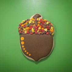 Acorn Cookies Acorn Cookies, Apple Cookies, Fancy Cookies, Cute Cookies, How To Make Cookies, Making Cookies, Iced Sugar Cookies, Sugar Cookie Frosting, Royal Icing Cookies