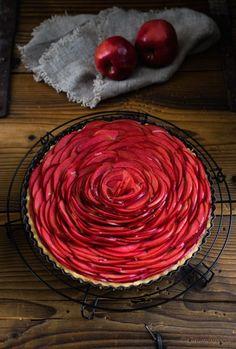 Apfel-Tarte Tarte Tatin, Marzipan, Food Inspiration, Berries, Cabbage, Bakery, Cake Recipes, Silver, Apple