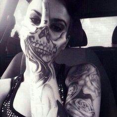 tattoo, skull, and black and white Bild