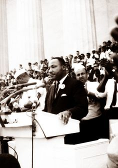 "Martin Luther King - ""I Have a Dream"" speech - Anniversary - Photo by Sammy Davis, Jr. Marie Curie, Mahatma Gandhi, James Dean, Steve Jobs, Audrey Hepburn, Civil Rights Movement, I Have A Dream, Einstein, King Jr"