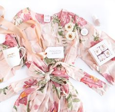 Creative Ways to Propose to Your Bridesmaids + Maid of Honor Bridesmaid Gifts From Bride, Bridesmaid Gift Boxes, Bridesmaid Proposal Gifts, Bridesmaids And Groomsmen, Be My Bridesmaid, Bridesmaid Presents, Bridesmaid Dresses, Bridesmaid Ideas, Bride Gifts