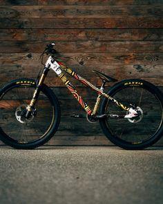 Old Bikes, Dirt Bikes, All Mountain Bike, Dirt Jumper, Moutain Bike, Trial Bike, Trek Bikes, Cool Bicycles, Mtb Bike