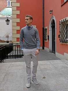 Wool sweater, chinos, trainers