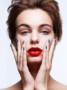 Chameleon Lips on Makeup Arts Served
