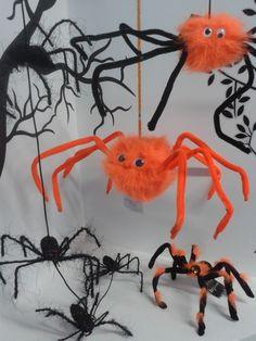Arañas naranjas en diferentes tamaños para tu decoración de #Halloween2013
