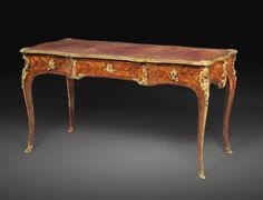 bureaus/desks ||| sotheby's pf1501lot83v8yen
