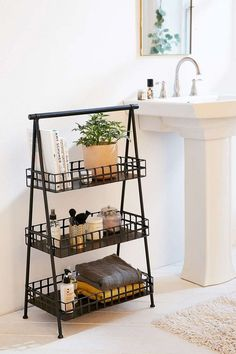 bathroom storage ideas - Re-organize your towels and toiletries during your next round of spring cleaning. Check out some of the best small bathroom storage ideas for Small Bathroom Organization, Organization Ideas, Storage Ideas, Storage Hacks, Organized Bathroom, Storage Design, Storage Bins, Extra Storage, Storage Containers