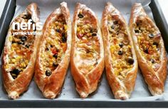 10 Dakikada Kahvaltı Pideleri Turkish Pizza, Turkish Recipes, Ethnic Recipes, Quiche, Turkish Kitchen, Food Porn, Delicious Breakfast Recipes, Dessert, Bon Appetit