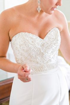 Gold + White Historic Rice Mill Charleston SC Wedding // Dana Cubbage Weddings // Charleston SC Wedding Photographer