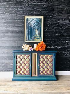 A furniture transfer! My style is more of a whimsical bohemian look so this was just a little out of the box for me. Diy Furniture Projects, My Furniture, Colorful Furniture, Upcycled Furniture, Furniture Makeover, Vintage Furniture, Repainting Furniture, Hand Painted Furniture, Home Decor Hacks
