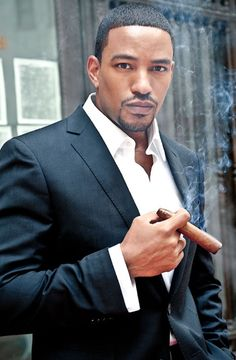 Laz Alonso is an American television and film actor who has a net worth of $2,500,000.00 million. Laz Alonso gained his net worth through appearing in several notable productions, starting in 2000. The Howard University graduate earned his BA in Business Administration and became an investment banker for Merrill Lynch after college.