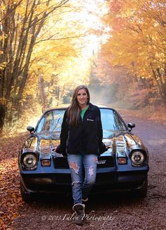 Senior Photography  Senior Girls  Car Posing Ideas  Fall Colors  http://falonphotography.blogspot.com/