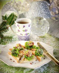 20+1 πρώτα πιάτα για επιτυχημένα γιορτινά τραπέζια - www.olivemagazine.gr Greek Recipes, Easy Recipes, All Things Christmas, Fresh Rolls, Finger Foods, Avocado Toast, Sandwiches, Easy Meals, Appetizers