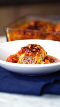 Que tal sair da rotina hoje mesmo preparando essa trouxinha de acelga com carne moída de jantar?