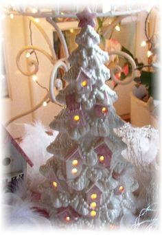White Christmas Tree Birdhouses Pink Aqua OR by Angelheartdesigns Vintage Ceramic Christmas Tree, Tabletop Christmas Tree, Pink Christmas Tree, Shabby Chic Christmas, Easy Christmas Crafts, Victorian Christmas, Retro Christmas, Christmas Projects, Simple Christmas
