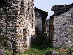 Borgo Alpino. Quattordici case in una borgata montana ai piedi del Gran Paradiso