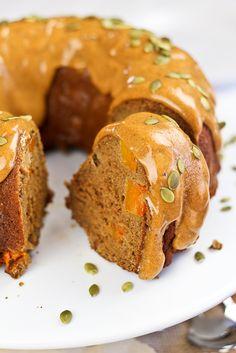 Spicy Apple Pumpkin Bundt Cake
