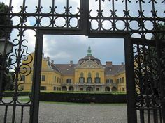 Budapest, Louvre, Mansions, Palaces, House Styles, Castles, Building, Travel, Home