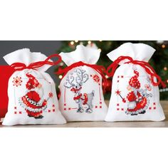 "Christmas Elves Bags On Aida Counted Cross Stitch Kit-3.25""X4.75"" 18 Count Set Of 3"