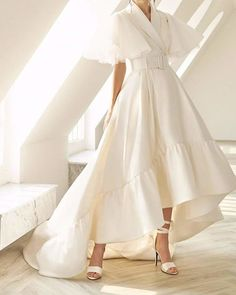 Wholesale Boutique V Neck Ruffled Detail White Maxi Dress from China to Japan Elegant Dresses For Women, Beautiful Dresses, White Maxi Dresses, White Dress, Mode Chic, Girly Outfits, White Fashion, Ladies Dress Design, Dress Skirt