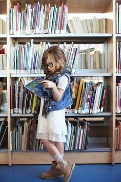 "Zara enfant ""brothers and sisters"" mars 2014 Zara Kids, Mode Zara, Sisters Book, Girl Reading, Tween Fashion, Stylish Kids, Zara United States, Kid Styles, Up Girl"
