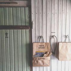 セリアの紙袋一枚で簡単収納ウォールポケット~\(^^)/ 花宮令の100均リメイクで夢が叶う理想のお部屋(^ー^) Paper Shopping Bag, Diy And Crafts, Container, Home Decor, Decoration Home, Room Decor, Home Interior Design, Home Decoration, Interior Design