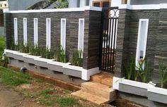 40 Minimalist Wall Fence Models - Speaking of building a house, there are many things that we must pay attention . House Wall Design, Fence Wall Design, Front Wall Design, Exterior Wall Design, Modern Fence Design, Door Gate Design, Front Wall Tiles, Compound Wall Gate Design, Decoration Facade