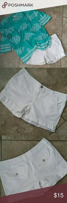 """AERO CUFFED WHITE SHORTS White cuffed shorts Double back pockets Slant front pockets Button/zip close 3"""" inseam No rips or stains Smoke free home Aeropostale Shorts"""