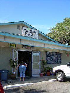 Bert's Market, Folly Beach   Love Bert's . . . we may doze but we never close . . .