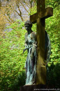 """Der Name """"Melaten"""" rührt von dem bereits im 12. Jahrhundert an dieser Stelle nachgewiesenen Heim für Kranke und Aussätzige. 1243 wurde der"""