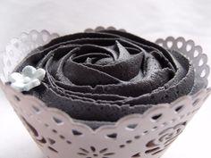 Gothic Wedding cupcake