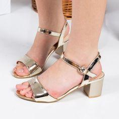 Promotie • Sandale Stephanie aurii cu toc gros Mary Janes, Peep Toe, Flats, Casual, Shoes, Women, Fashion, Toe Shoes, Moda