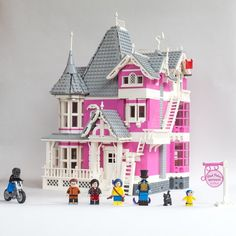 Coraline's Pink Palace Apartments by Hwachtman. More photos at archbrick.com #lego #legoarchitecture #legohouse #coraline #pinkpalaceapartments #legoideas #legostagram #legobuilding #legos #legophotography #legomodel