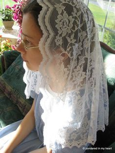 How to make your own lace chapel veil.