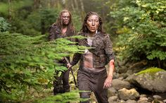 Clarke and Anya's unlikely friendship grows in 'The 100' clip