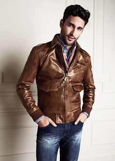 Fall outfit idea with a brown leather jacket plaid scarf blue gingham button up shirt dark wash denim. Leather Jacket Outfits, Men's Leather Jacket, Leather Men, Brown Leather, Leather Jackets, Sharp Dressed Man, Well Dressed Men, Look Fashion, Mens Fashion