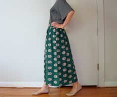 vintage women hunter forrest green floral circle printed high waisted pleated gathered gored midi calf long full skirt (size 6 - 10)
