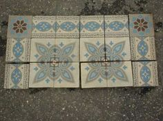 14,1, x 14,1 cm, Germany. Mesa Bonita has been collecting hydraulic tiles for the past 10 years. All the tiles have been saved from the city dumpsters and desperately need a second life. They can be turned into a pretty table, console, nightstand, frame, trivet, coaster… Contact me for information, I have a wide selection of styles and colors and a whole bunch of ideas: Benedicte Bodard  Mesa Bonita/Barcelona Tiles benedictebodard@gmail.com www.mesabonita.es…