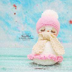 Снеговик крючком амигуруми