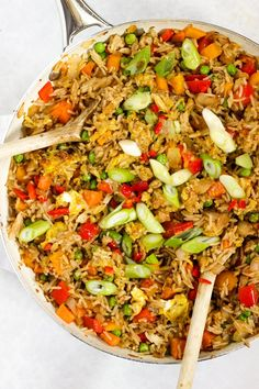 Cajun Delicacies Is A Lot More Than Just Yet Another Food Egg Fried Rice Recipe - Dinner In 15 Minutes? Try not to Mind If I Do This Easy Egg Fried Rice Recipe Is Healthy, Packed With Vegetables, Vegetarian And Ready In A Flash. Rice Recipes, Veggie Recipes, Vegetarian Recipes, Party Recipes, Asian Recipes, Savory Rice, Chinese Vegetables, Sweet Chilli Sauce