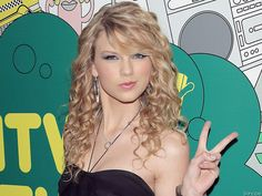 Lookin for hairstyles for Ry's grad... I love t-swizle's hair, i think something like this would be cute :)