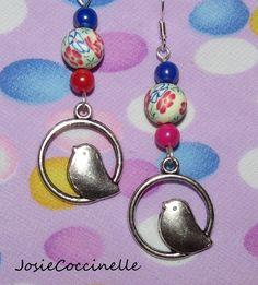 Boucles d'oreille fantaisie Oiseau & Fimo fleuri : Boucles d'oreille par josiecoccinelle