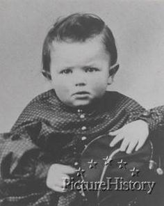 Afbeeldingsresultaat voor abraham lincoln as a child Abraham Lincoln Civil War, Abraham Lincoln Family, Mary Todd Lincoln, American Presidents, Us Presidents, American Civil War, American History, Us History, Family History