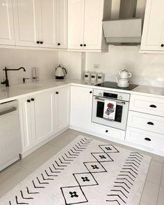 Kitchen Room Design, Interior Design Kitchen, Kitchen Decor, Kitchen Models, Restaurant Interior Design, Cuisines Design, Minimalist Decor, New Home Gifts, Home Signs