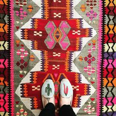 Amazing rug and shoes by @canary_lane on Instagram (from #dsnicerug challenge)